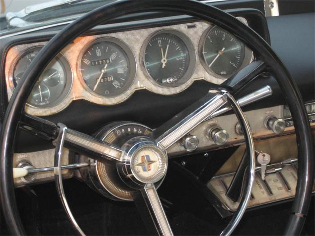 lincoln continental rear wheel drive 1970 lincoln continental blue rear wheel drive rwd sedan. Black Bedroom Furniture Sets. Home Design Ideas